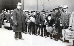 Emigrati italiani a Ellis Island (1911)