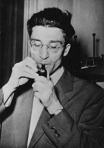 Cesare Pavese. Fonte: Wikipedia da www.allabottega.it