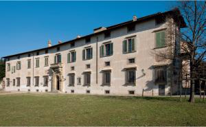 Dal 1972 l'Accademia della Crusca è ospitata nella Villa medicea di Castello.