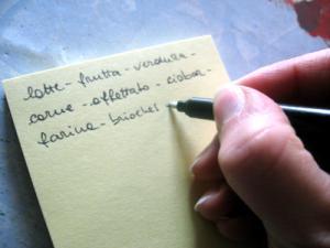 La lista della spesa. Foto: the Italian voice. Licenza: CC-BY 2.0. Fonte: Flickr