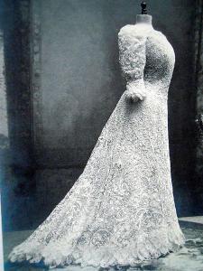 Aemilia Ars. Il vestito ad ago realizzato per Marsaglia Balduino