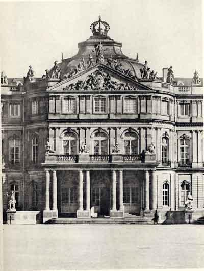 Stoccarda: Palazzo della residenza (sec. XVIII), architetto Leopoldo Retti