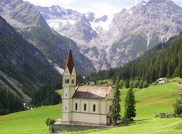 Stelvio: la Chiesa della Visitazione a Trafoi