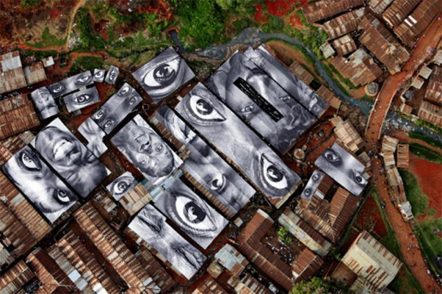 """Reggio Emilia: """"Inside Out, l'Italia sono anch'io"""", installazioni fotografiche, 2012"""