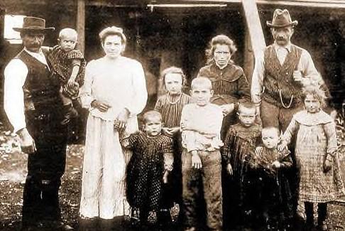 Famiglia di coloni modenesi a Capitan Pastene, Cile, nel 1910
