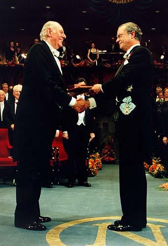 Dario Fo riceve il Nobel,1997