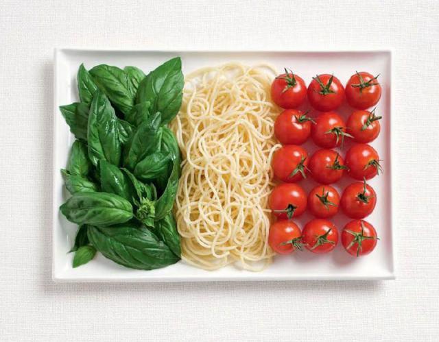 La bandiera italiana...fatta di cibo