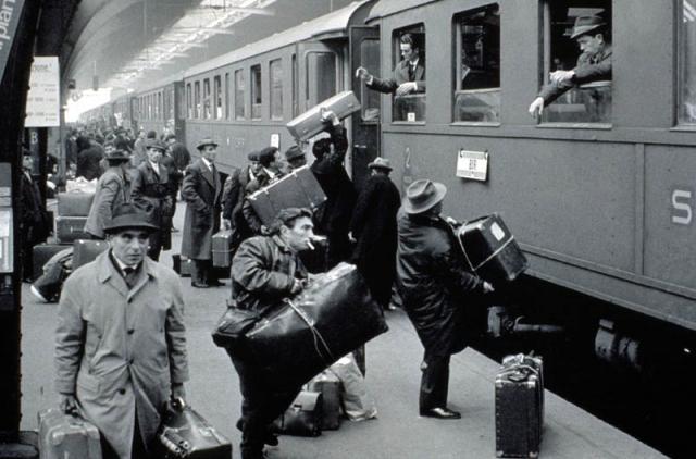 Immigrati italiani alla stazione di Zurigo